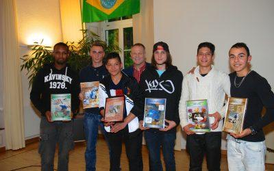 Bewegende Schul- und Lehrabschlussfeier in Albisbrunn